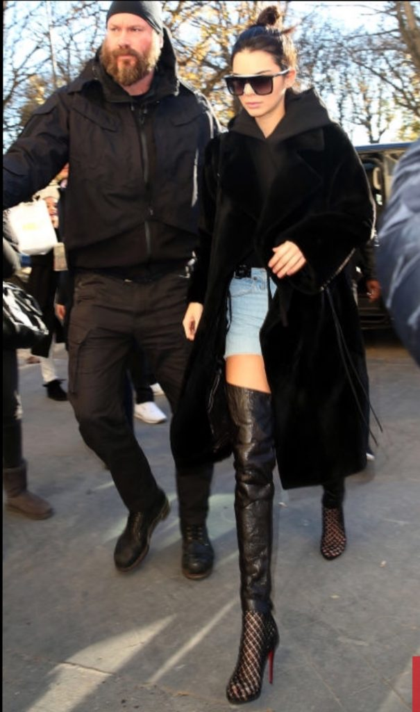 925b7e8ab06f An entire year with Style icon Slaylebrity kendall jenner black sunglasses,  leggings and leather trousers