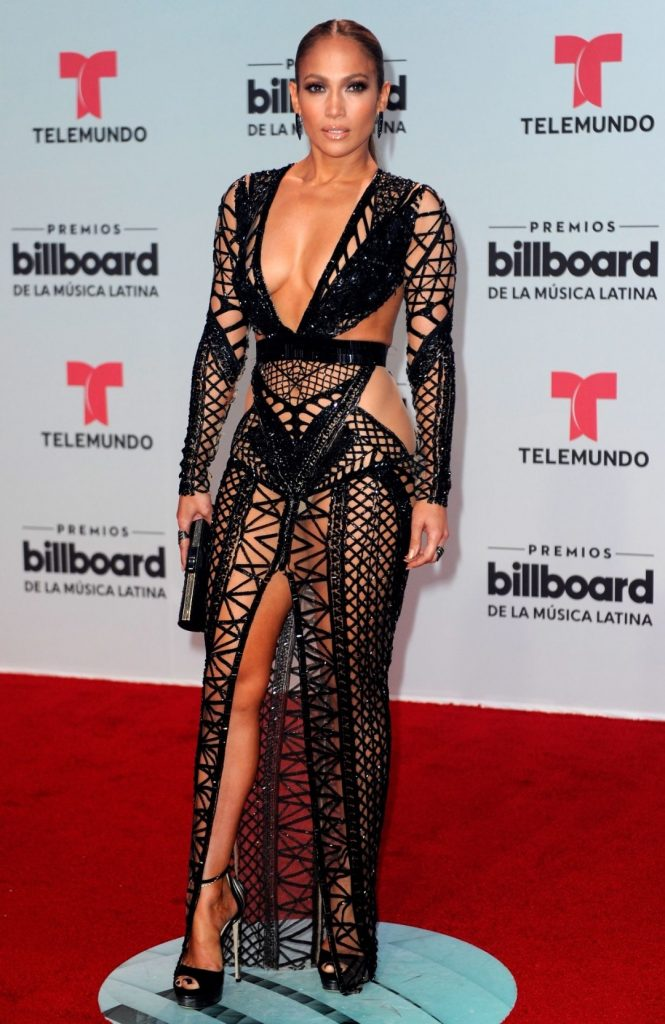 Jennifer Lopez and two naked dresses | Slaylebrity