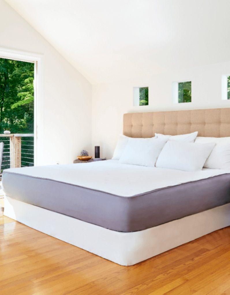 Sleep tracker bedcover