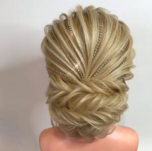 Get your blonde luxury wig coutured to perfection