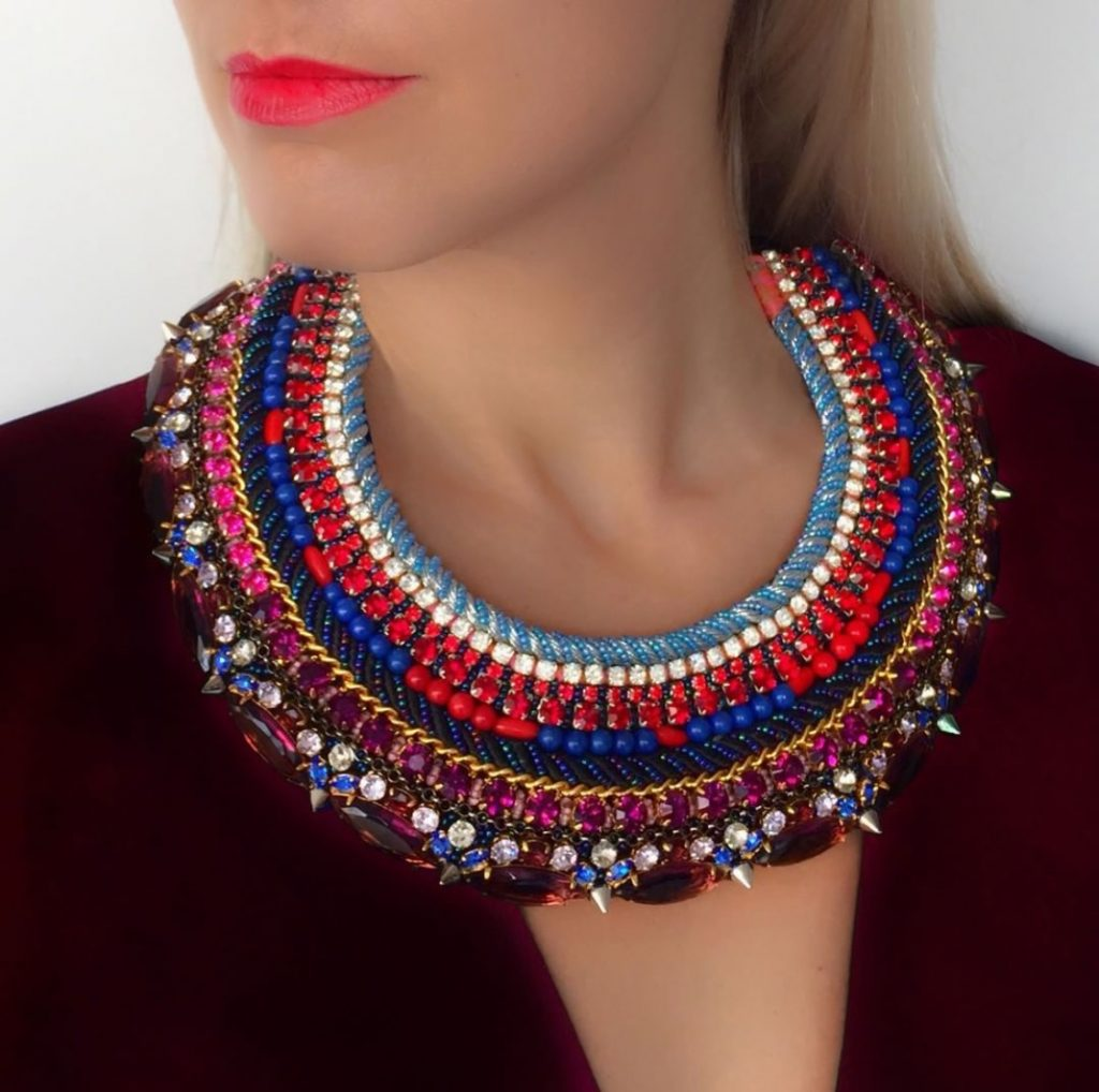 Colourful collar choker
