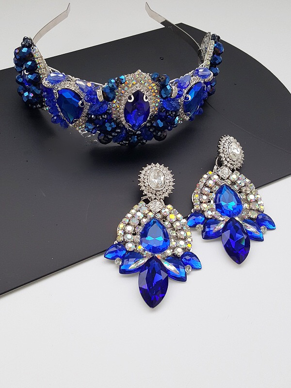 Blue crystal earring and crown set