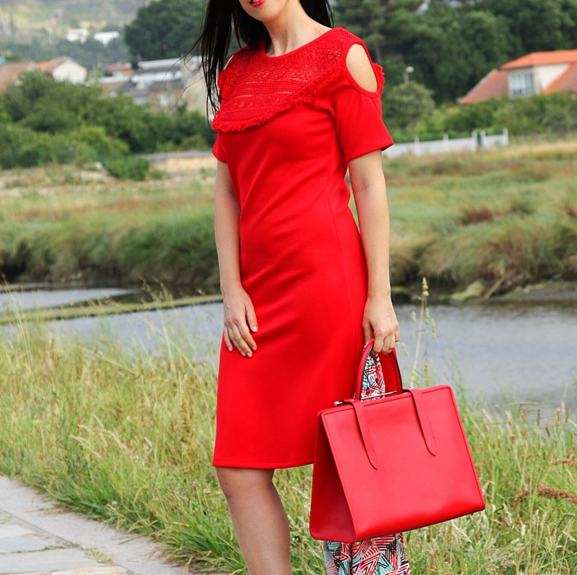 How to wear Red