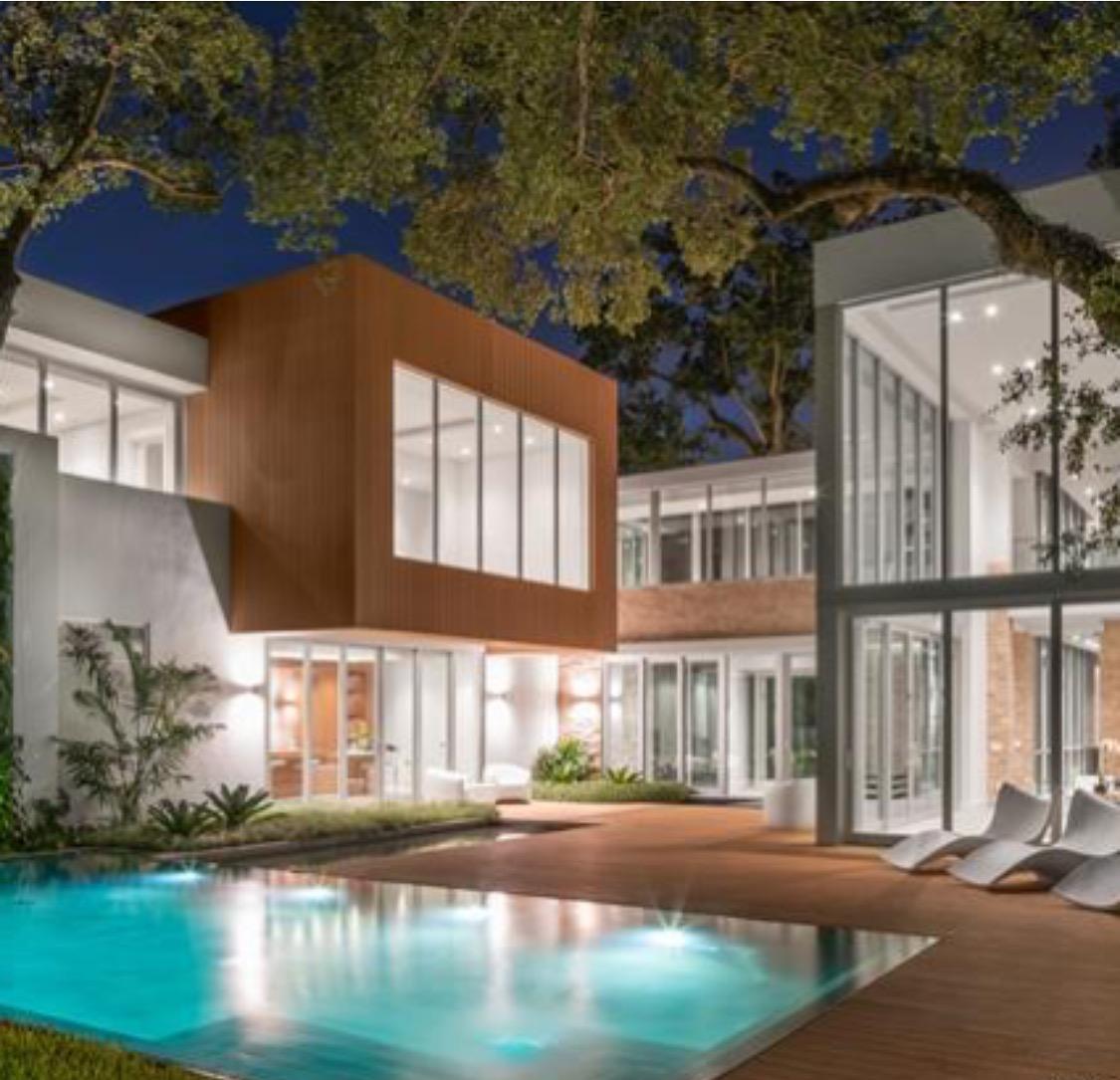 Luxury Ponce Davis mansion for sale