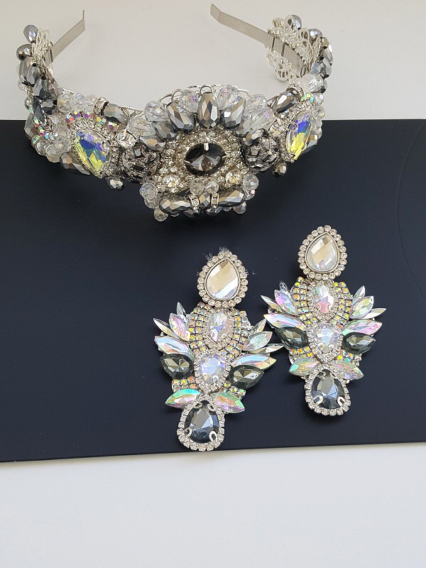 Luxury silver crystal earring and crown set