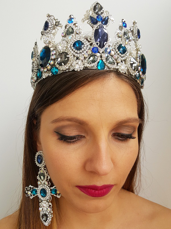 Blue and silver crown and earring set