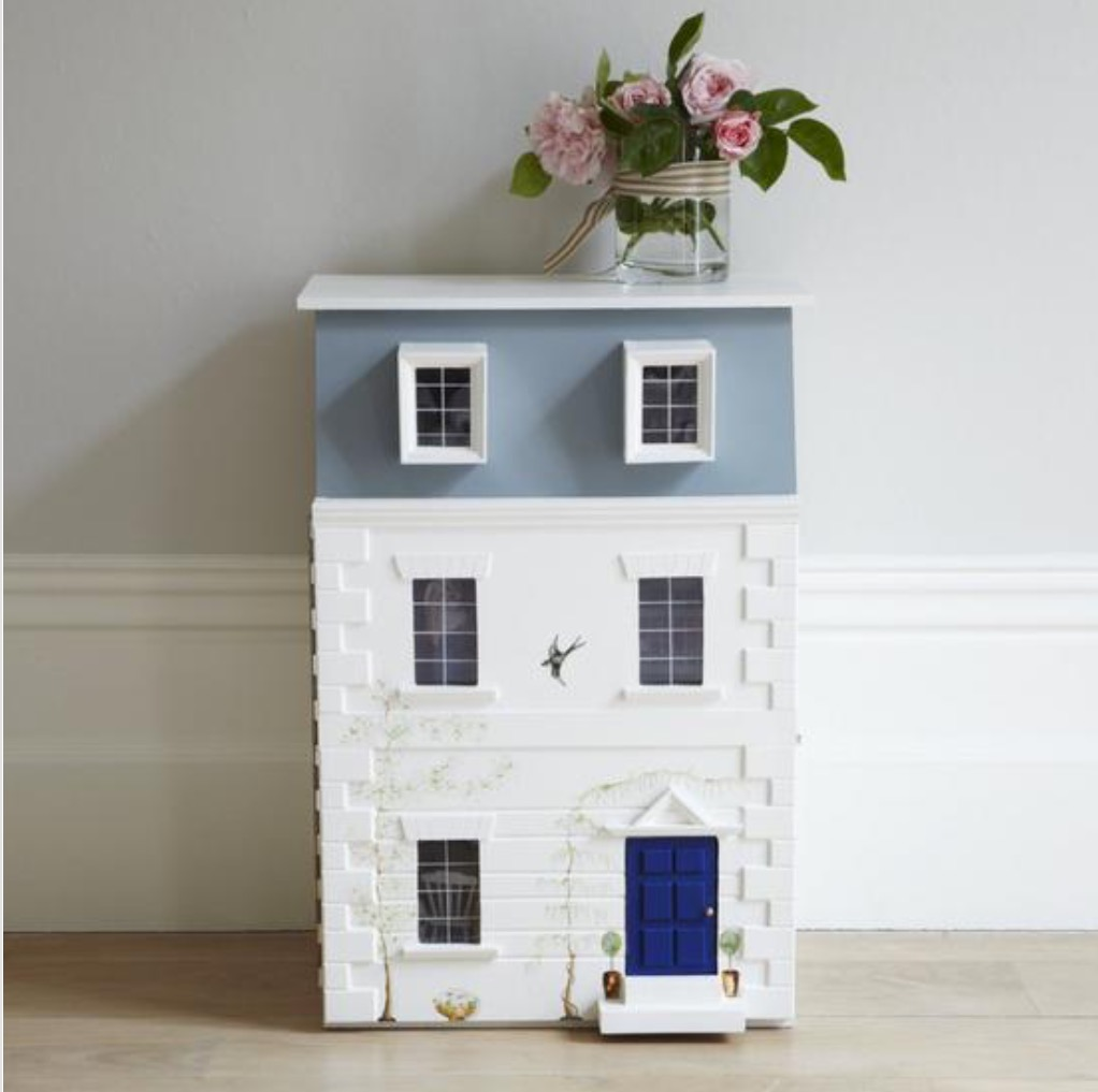 The most luxurious doll houses you'll ever see