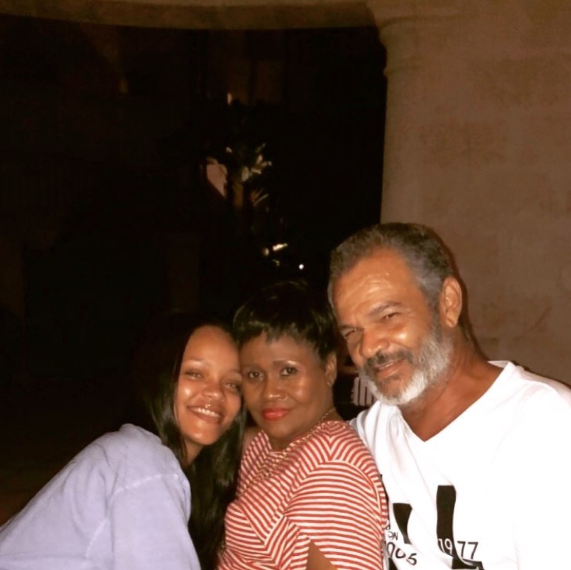 Rihanna spends some quality time with family