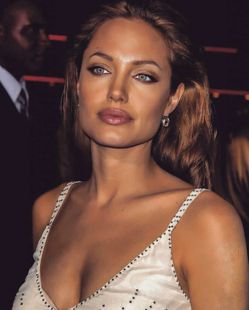 Angelina Jolie Sexy Pics angelina jolie's eyes are the most desirable female