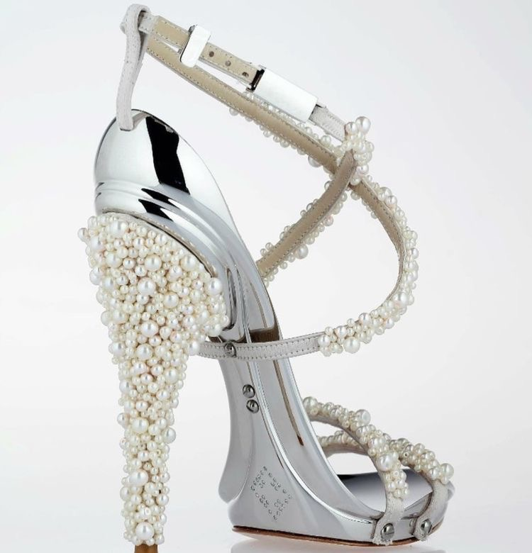 Handmade embroidery cream couture women's shoes