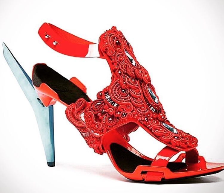 Handmade embroidered red women's shoes