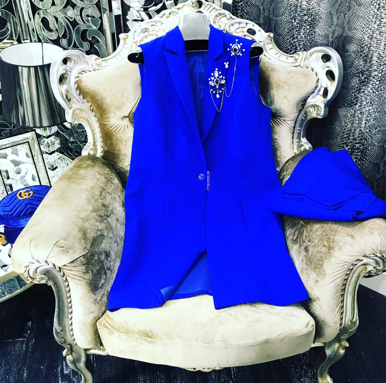 Embellished blue sleeveless pant suit