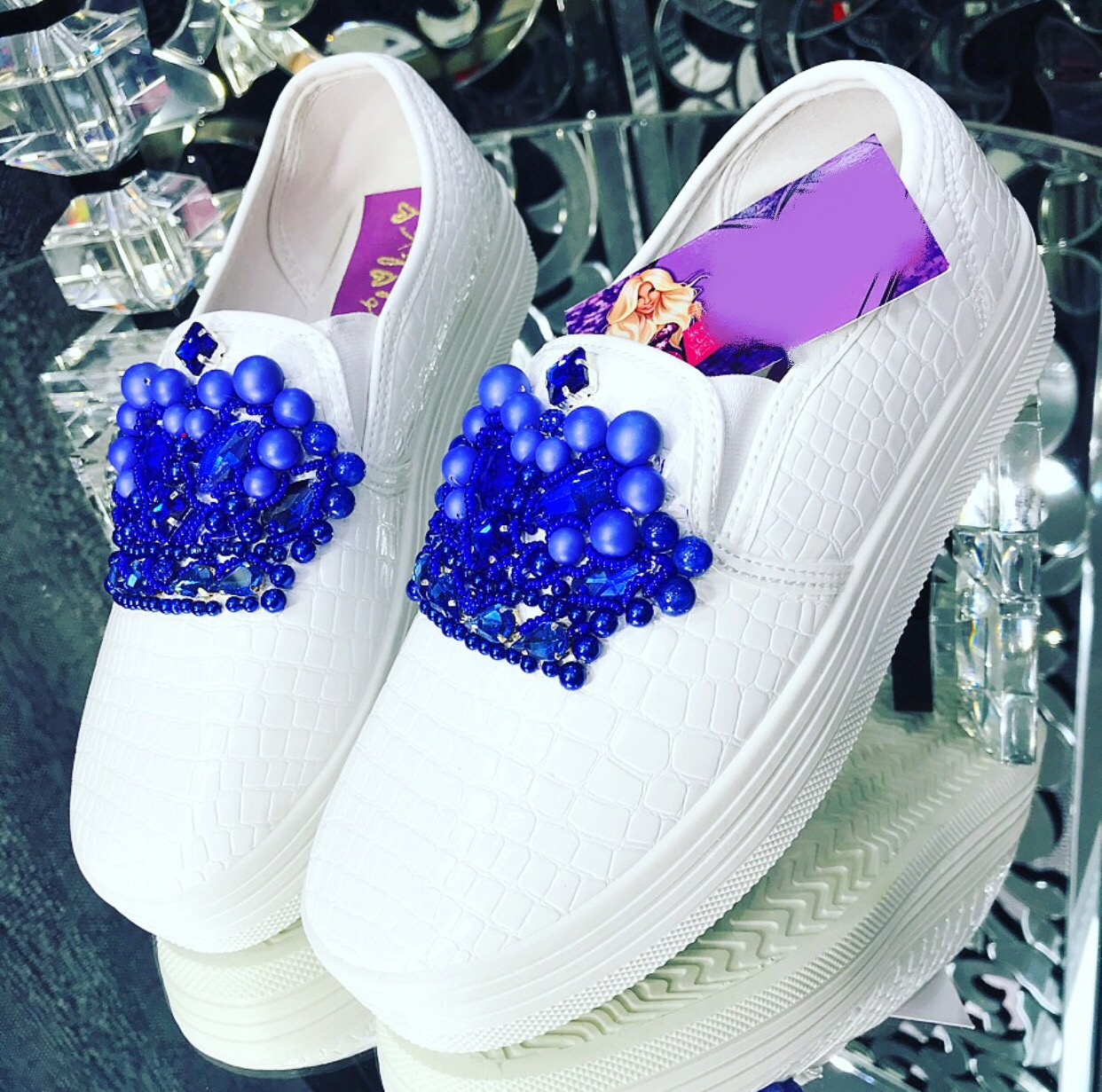 Embellished loafers and snapback
