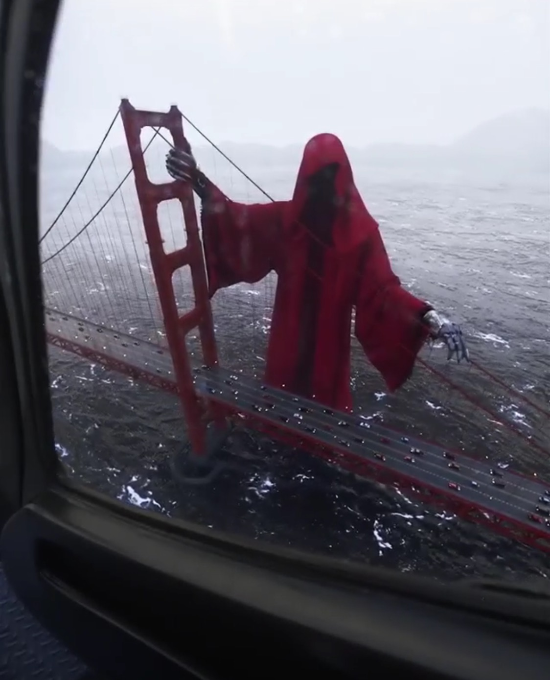 Grim Reaper on Golden Gate Bridge creeps out the Internet