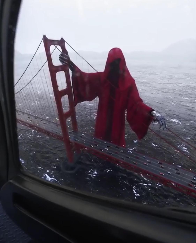 Grim Reaper on Golden Gate Bridge creeps out the Internet
