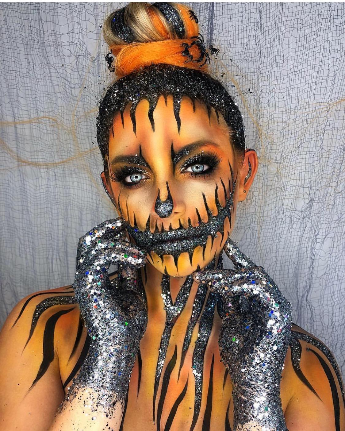 The best body jewel Halloween looks