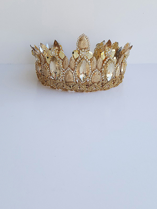 Gold opulent crown