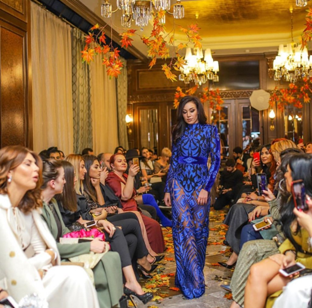 Luxury blue evening fashion dress