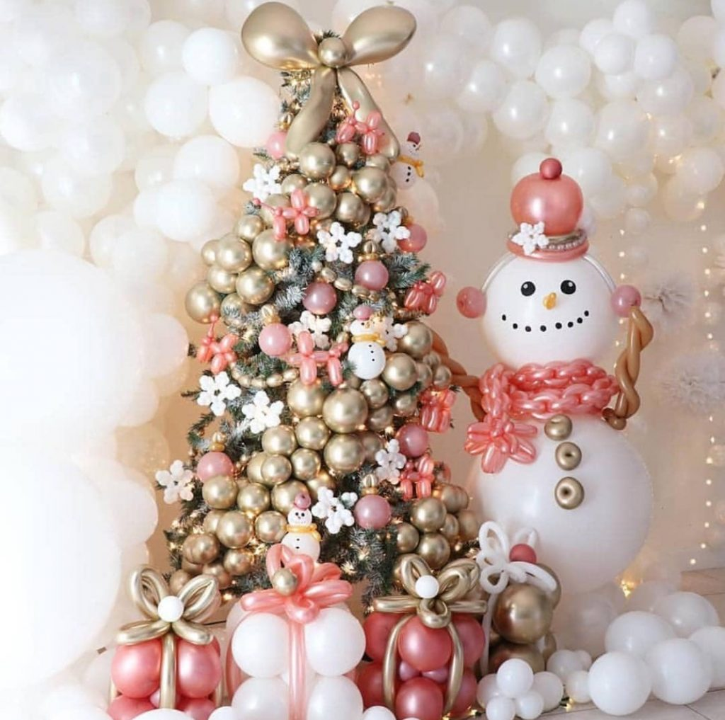 How to decorate with balloons this Christmas