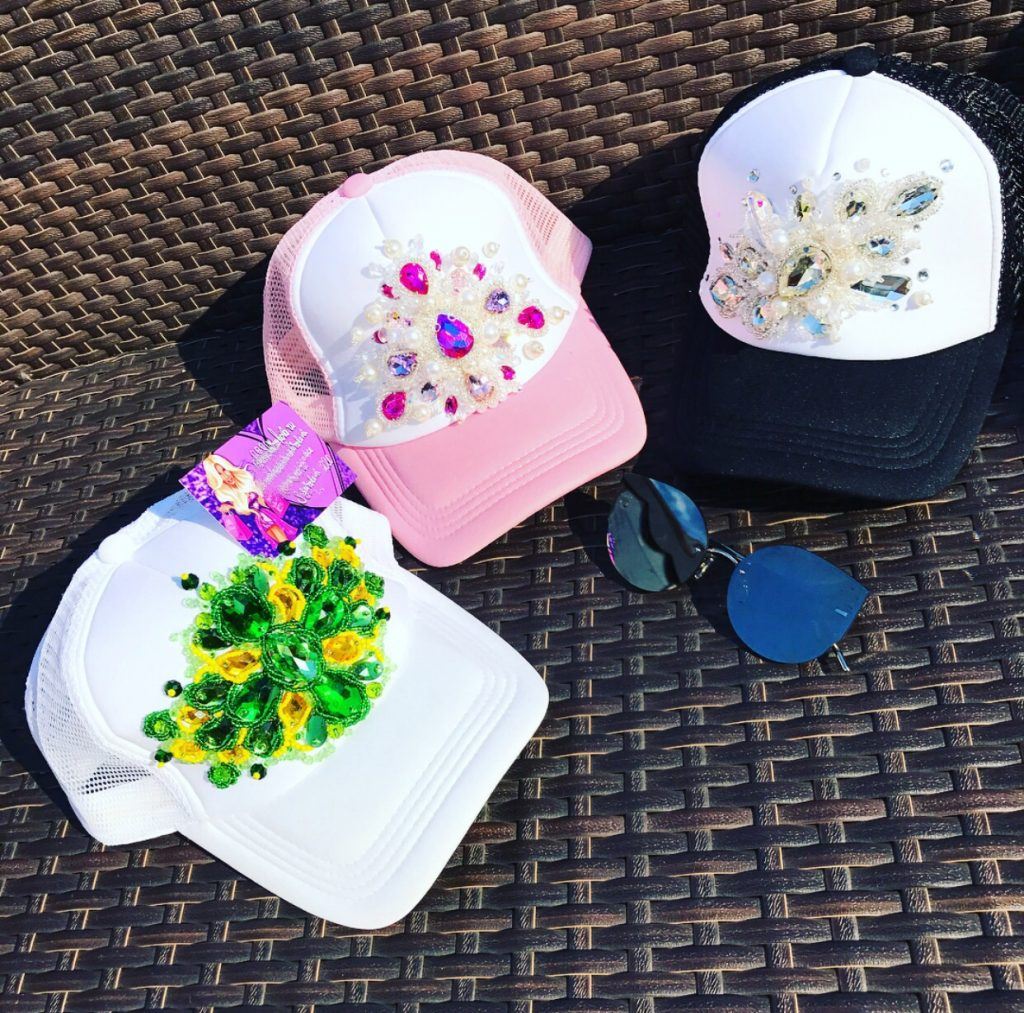 Embellished snapback set