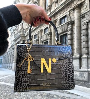 Chocolate leather handbag