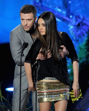 That time Justin Grabbed Milan Kunis erm boobs and she went right back atchyou