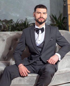 Prim and proper Men's suit
