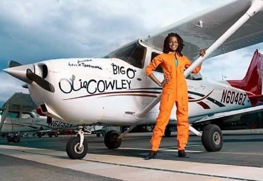 Meet the 15 year old African American Pilot Kimberly Anyadike