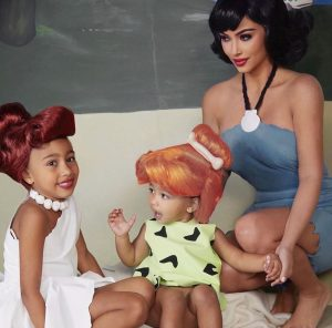 Can Kim Kardashian Explain  her talents to her bambini, let's find out