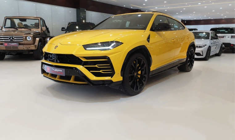 Yellow Lamborghini Urus 2019 for sale