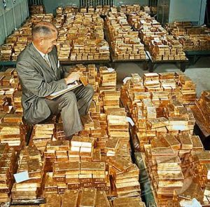 Here's what three hundred and fifteen billion dollars worth of gold bars looks like