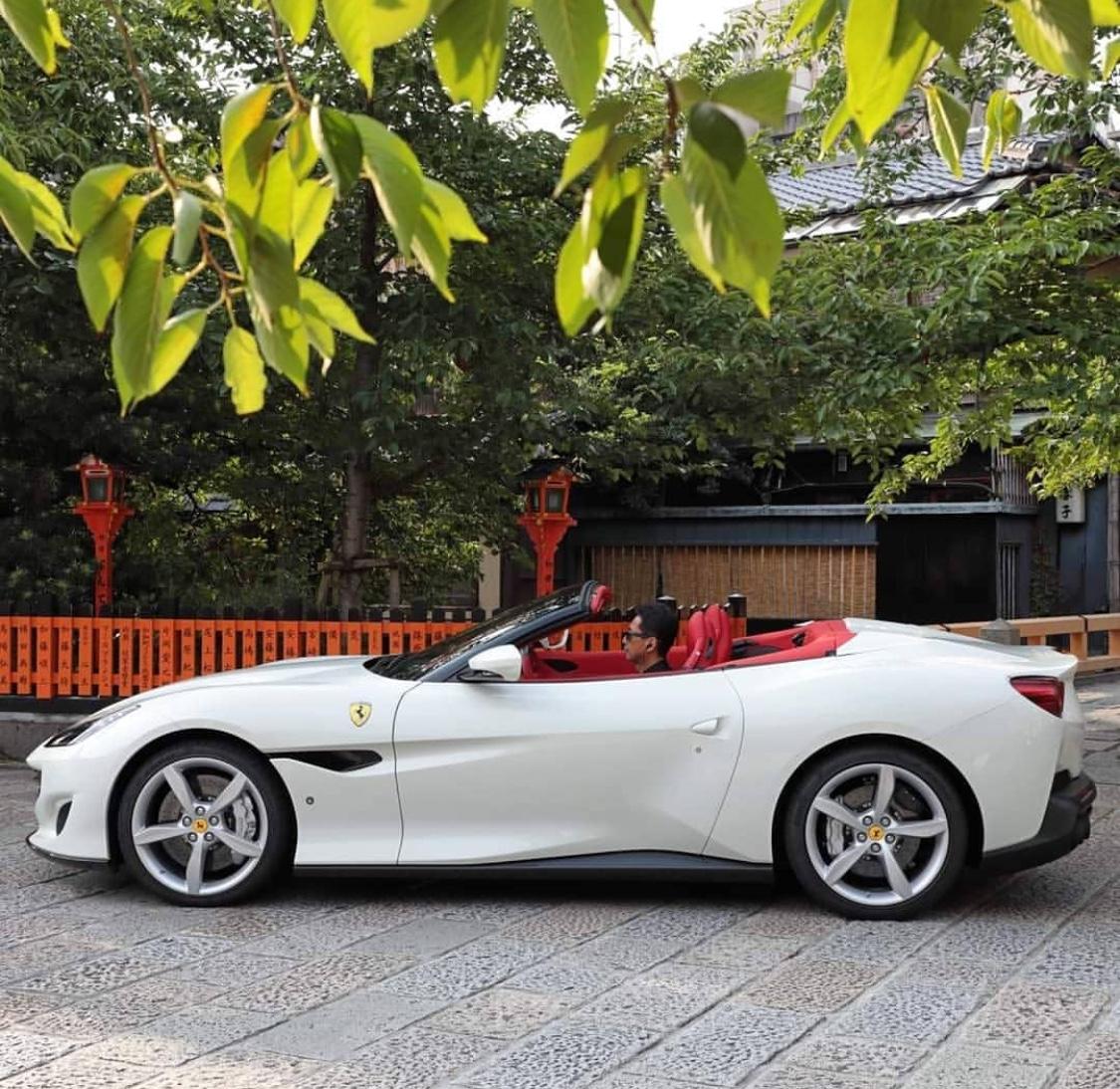 Ferrari Portofino 2020 Slaylebrity