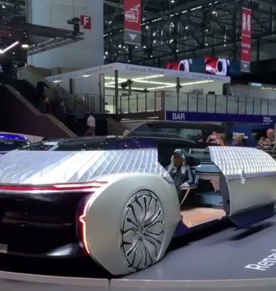 Super car Blondie inside the future of Renault travel
