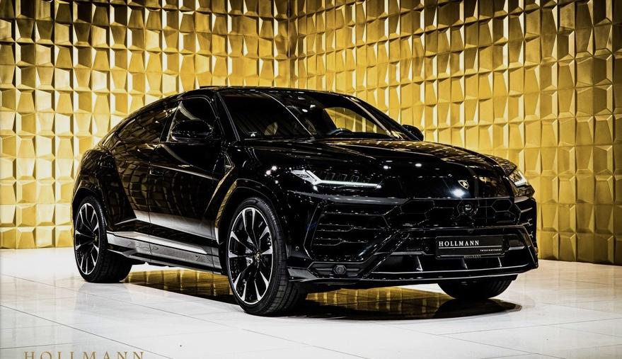 Black Lamborghini Urus FOR SALE