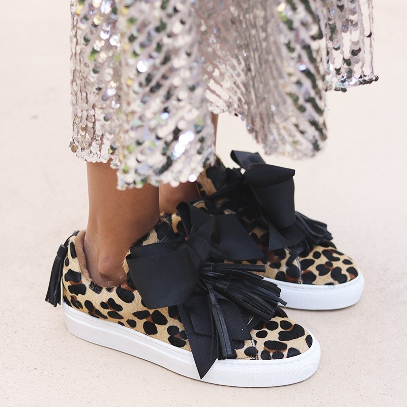 Leopard effect tie up sneakers