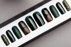 Green Cat Eye with Rhinestones Luxury Press on Nails
