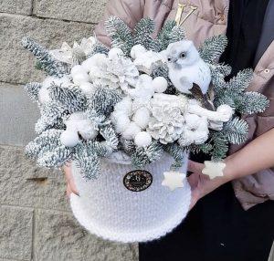 Winter wonderland mood flower festive gift box