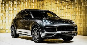Glossy Porsche Cayenne Turbo FOR SALE