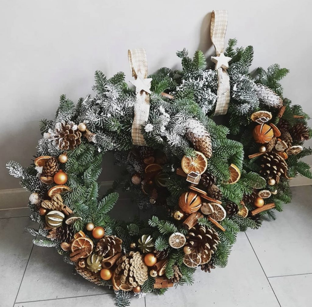Tangy fruity winter theme festive wreath