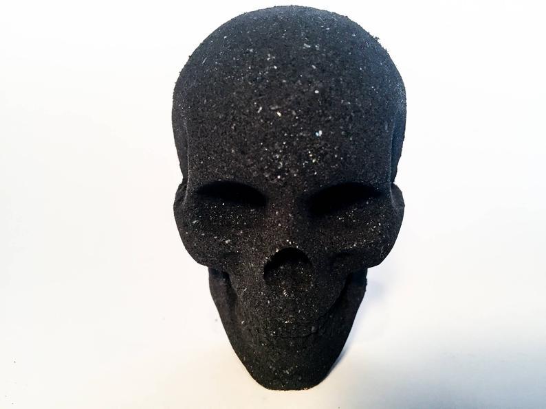 Skull charcoal bath bomb