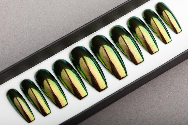 Luxury Green & Gold Press on Nails