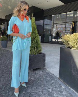 Victoria fox in a pretty blue  summer outfit