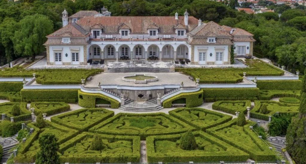 14 Bedroom palace Portugal  FOR SALE