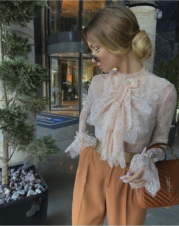 Victoria Fox in a soft feminine fall Style Outfit